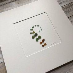 Un galet de verre d'Art par Sharon Nowlan Vous pouvez choisir si vous souhaitez acheter ce juste feutré ou montées et encadrées dans le cadre rustique foncé ou noir simple plus moderne que vous voyez sur les photos. Lors de l'achat de ce tableau encadré il comprendra un encadrement