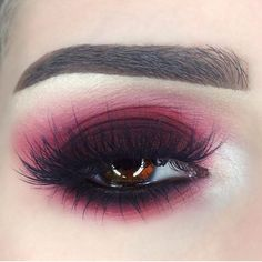 Get the perfect sultry red smokey eye with Love eyeshadow! Gorgeous look by ❤️ Eyebrow Makeup T Makeup Is Life, Makeup Goals, Makeup Inspo, Makeup Inspiration, Makeup Ideas, Makeup Geek, Make Up Kits, Professionelles Make Up, Red Smokey Eye