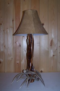 Antler and Diamond Willow Table Lamp (antlerandwoodcreations.com)