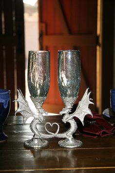 Can't believe I came across these on here, these are the goblets I want to get at the Ren Faire this year! Dragon toasting goblets by Balena Bay Pewter