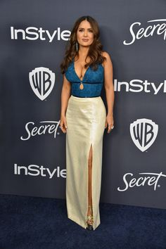 Busty Salma Hayek shows deep sexy cleavage at Warner Bros. And InStyle Golden Globe After Party in Beverly Hills Selma Hayek, Celebrity Red Carpet, Celebrity Style, Celebrity Photos, Salma Hayek Measurements, Salma Hayek Style, Salma Hayek Pictures, Golden Globes After Party, Hot Brunette