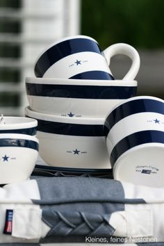 Blue and White ~ Lexington Collection Dinnerware Seaside . Cottages By The Sea, Beach Cottages, Beach Houses, Coastal Style, Coastal Decor, Coastal Living, Boat Table, Style Marin, Deco Marine
