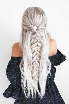 half up half down Trendy Chic Braided Hairstyle Ideas You Should Try - Pull through braid half up . Trendy Chic Braided Hairstyle Ideas You Should Try - Pull through braid half up half down Braided Ponytail Hairstyles, Easy Hairstyles, Wedding Hairstyles, Hairstyle Ideas, Beehive Hairstyle, Lob Hairstyle, Barbie Hairstyle, Fashion Hairstyles, Pretty Hairstyles