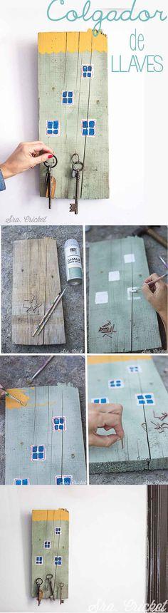 Colgador de llaves, key hanger. Convertí una tabla vieja de madera en un colgador para llaves. DIY con chalk paint en spray