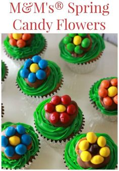 My Spring Candy Flowers are a fun and easy spring treat that are perfect for this time of year!