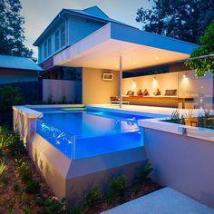 Acrylic Pool Corner
