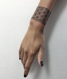 Bracelet Tattoo by Sasha Masiuk