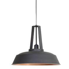Houd je ook zo van die industriële look? Dan is hanglamp Inez van metaal zeker een aanrader. Door het stoere uiterlijk van de lamp maakt deze een echte blikvanger in je interieur. Ondanks het opvallende uiterlijk van de lamp is deze zeer geschikt om te gebruiken in verschillende ruimtes en gemakkelijk te combineren. Zo is de lamp prachtig te combineren met stoere materialen zoals hout, metaal en zink. De Inez hanglamp is een echte topper als je op zoek bent naar een lamp met karakter!