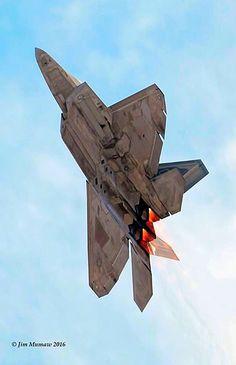 USAF Lockheed- Martin F-22A Raptor on a vertical climb.