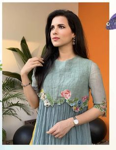 Top outstanding Jhabla styles Kurti and stylish Short frocks designs Embroidery On Kurtis, Kurti Embroidery Design, Embroidery Dress, Kurta Designs Women, Salwar Designs, Blouse Designs, Half Sleeve Dresses, Women's Dresses, Fashion Dresses