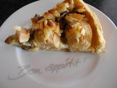 Verboten gut ⚠: Apfelkuchen mit Pudding, Mandelstiften & Rumrosinen