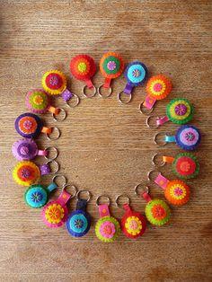 So cute!! felt key rings, simple.