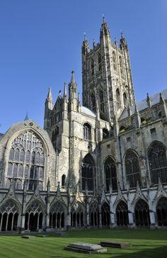 Canterbury, la cathédrale   (Kent, Grande-Bretagne).  XIe-XVe siècle. Canterbury, Notre Dame, Barcelona Cathedral, Travel, Image, Gothic Art, Medieval Art, Great Britan, Viajes