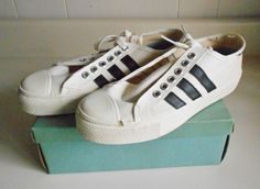 ecce98475fa87f Vtg White Canvas w  Blk DEAD STOCK BATA SNEAKERS Basketball Oxfords Sz 3.5  NOS. Vintage ShoesVintage ...