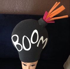 Bomba Hat Crafts, Diy And Crafts, Diy Craft Projects, Silly Hats, Funny Hats, Mad Hatter Costumes, Baby Costumes, Foam Wigs, Old Lady Costume