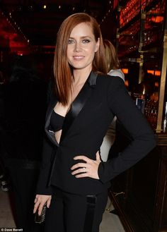 Amy Adams flashes her bra at post-BAFTA party   Daily Mail Online