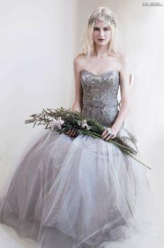 #sexi #love #jeans #clothes #coat #shoes #fashion #style #outfit #heels #bags #treasure #blouses #wedding #weddingdress #weddingday #weddingcelebration #weddingwomanFrancDokonaláExcentrická Austrálska+návrhárka+spĺňa+najvyššie+kritéria+európskej+couture