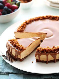 Biscoff Cake, Biscoff Cheesecake, Cheesecake Recipes, Dessert Recipes, Best No Bake Cheesecake, Lotus Cheesecake, Biscoff Recipes, Lotus Biscoff, Savoury Cake