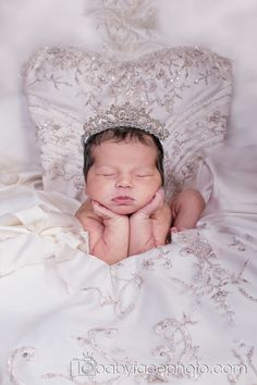 Newborn+photographer+-+Frederick+MD mom's wedding dress