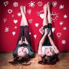 Empezando el año tal y como lo acabamos...¡Con mucho amor! Y con nuestra colección de corazones está claro que Love is in the air ;) Encuentra más vinilos en www.ubikavinilo.com