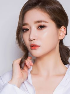 Korean makeup, peachy makeup