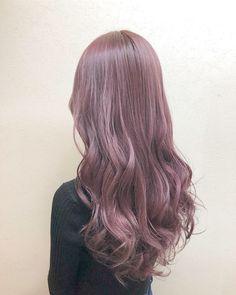 春のヘアカラーはピンクがかわいい♡モテ髪色レシピ集 in 2020 Pink Ombre Hair, Lilac Hair, Medium Hair Styles, Long Hair Styles, Dying My Hair, Long Hair With Bangs, Aesthetic Hair, Tips Belleza, Human Hair Wigs