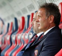 Head coach of Torino Sinisa Mihajlovic looks on during the Serie A match between FC Crotone and FC Torino at Stadio Comunale Ezio Scida on November 20, 2016 in Crotone, Italy.