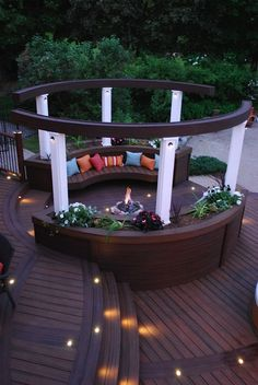 This circular seating area designed by Paul Lafrance (@paullafrancedes) adds a unique touch to an outdoor living space. #outdoorliving