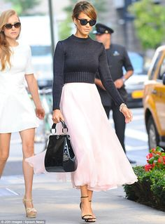 always love what jessica alba is wearing, but this is stunning. I wish this would be more in fashion than the too short short-shorts that you can see their va-j-j