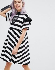 Discover the latest fashion & trends in menswear & womenswear at ASOS. Shop our collection of clothes, accessories, beauty & Frilly Dresses, Tall Dresses, Cotton Dresses, Short Sleeve Dresses, Latest Fashion Clothes, Fashion Online, Lazy Oaf, Unique Fashion, Passion For Fashion