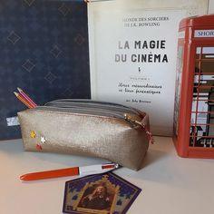 La Récréadrine sur Instagram: Une trousse zip zip Modèle @patrons_sacotin , double trousse pour ma mini girl, fan, bien sûr, d Harry Potter ! Simili loft 3D marbré or…