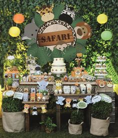Safari Party Decorating Kit - 18 Items Safari Party, Safari Birthday, Safari Baby Shower Safari Party Decorating Kit - 18 Items Safari Party, Safari Birthday, Safari Baby Shower by MamaandMiaEvents on Etsy Safari Theme Birthday, Jungle Theme Parties, Safari Birthday Party, Animal Birthday, 1st Boy Birthday, Boy Birthday Parties, Safari Theme Baby Shower, Theme Bapteme, Hawaiian Party Decorations
