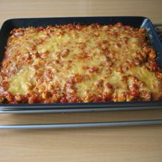 """piip"" broileripiirakka Lasagna, Bakery, Ethnic Recipes, Food, Essen, Meals, Yemek, Lasagne, Eten"