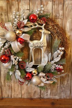 Silver Reindeer Wreath Reindeer Christmas by FestiveHomeDesigns