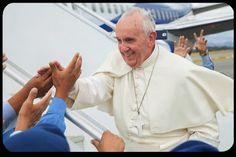 "Papa Francesco: ""Chiesa costruisca ponti, non muri."