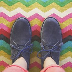 Wish you a colourful day - Desert boots - Hush Puppies - Women - Navy Winter Fashion 2016, Spring Fashion, Autumn Fashion, Hush Puppies Women, Interview Style, Desert Boots, Hipster Fashion, Suede Boots, Amazing Women