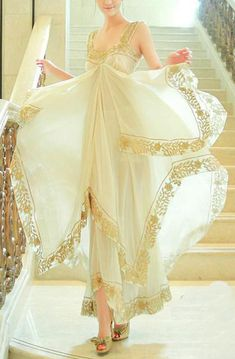 Vestido tirantes gasa bordados-Beige