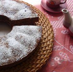 Ciambella con farina di avena, yogurt e muscovado #italianfood #italianrecipe