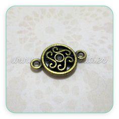 Conector redondo con espirales estilo celta