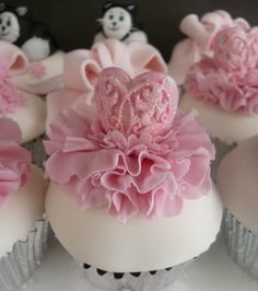 Pink Tutu's, Bows and Kitty Cupcakes!