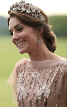 "The Duchess of Cambridge  ""wearing"" the Danish Ruby tiara."