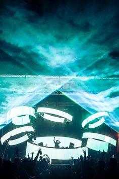 DJ Snake killin' it at Sunset Music Festival #lazers #tbt