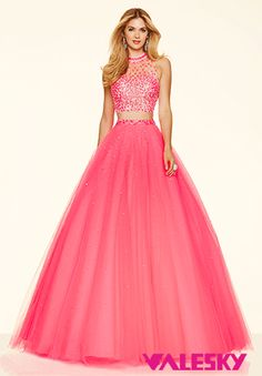 Shop classic ball gowns and ball gown prom dresses at PromGirl. Ballroom gowns, long formal dresses, designer prom ball gowns, plus-sized ball gowns, and ball gown dresses. Mori Lee Prom Dresses, Cute Prom Dresses, Tulle Prom Dress, Prom Dresses Online, Dressy Dresses, Homecoming Dresses, Dresses 2016, Prom Gowns, Pageant Dresses