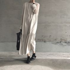 Pin by Aga on Things to Wear 70s Fashion, Modest Fashion, Hijab Fashion, Love Fashion, Winter Fashion, Fashion Dresses, Womens Fashion, Street Fashion, Fashion Ideas