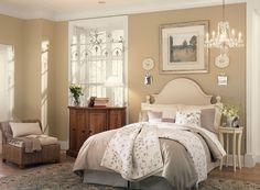 truffle AF-130 (walls), linen white 912 (ceiling), alabaster OC-129 (trim)