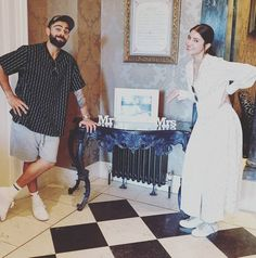 Talk about couple goals 💕 Anushka Sharma and Virat Kohli after smashing a workout together on a vacay 💪💪 Check out more on our website Anushka Sharma Virat Kohli, Virat And Anushka, Ipl Live Score, Couple Holding Hands, Latest Cricket News, Free Followers, Desi Memes, Good Morning All