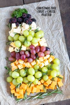 How to make a Fruit & Cheese Platter for Christmas This Christmas Tree Fruit & Cheese Tray is totally customizable and great for holiday parties or just something fun for the kids on Christmas. Christmas Recipes For Kids, Christmas Party Food, Christmas Desserts, Christmas Treats, Holiday Recipes, Christmas Cheese, Christmas Holidays, Christmas Fruit Ideas, Christmas Tables