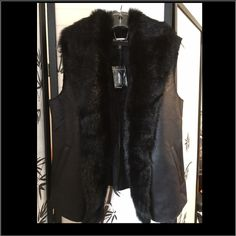 💕EXPRESS NEW BLACK Vest with Faux Fur ~ NWT 💕 💕Express pLeather Vest with Faux Fur ~ NWT 💕brand new! Super cute with jeans and boots 💕 Express Jackets & Coats Vests