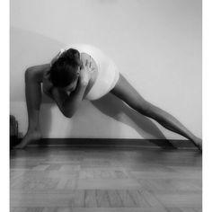 #LeotardLovies @collectiveyoga@sdharamr@reganwarner @stephaniekicksbutt@carolineanne92@etheyogi @werkshop#igyogis#igyogis#igyogis#yogi#omgirl #SpinalDreams #fitflowchallenge #handstand  #yoga#yogajourney#yyc#yycyoga #crazysexyyoga  #yogaeveryday#igyoga#flexibility #fitmom #yogaeverywhere#instayoga#inspo#yogaaddict #vinyasa#calisthenics #bbg#bbggirls#blogilates#fitlondoners #calisthenicsmovement#yogadeutschland #bbgcommunity# by yogi_debby