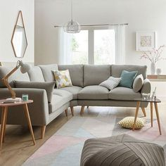 Pretty Living Room Corner Sofa Design Ideas These trendy Live Room ideas would gain you amazing compliments. Corner Sofa Living Room, Room Corner, Corner Sofa Lounge, 2 Seater Corner Sofa, Home Living Room, Interior Design Living Room, Living Room Designs, Corner Sofa Design, Kitchen Sofa
